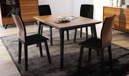 Bukowy stół na lakierowanych, profilowanych nogach