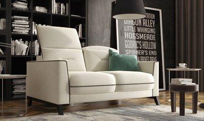 Mała, ekskluzywna sofa Retro