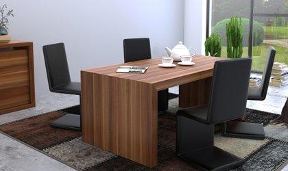 Oryginalny stół fornirowany